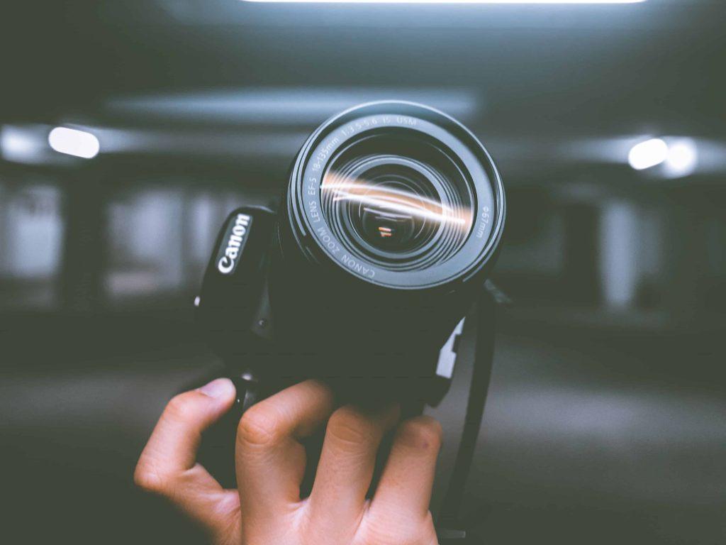 digitalkamera test 2018 die besten digitalkameras im. Black Bedroom Furniture Sets. Home Design Ideas
