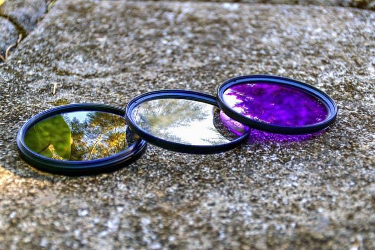 Filter liegen auf einem Stein